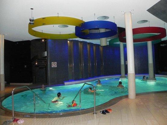 Familienresort Ellmauhof-das Feriengut :                   indoor pool
