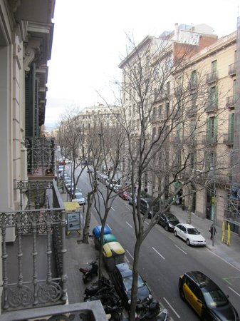 Hotel Constanza Barcelona:                   Street view from our balcony
