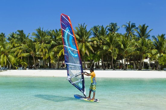 Kurumba Maldives : Wind surfing