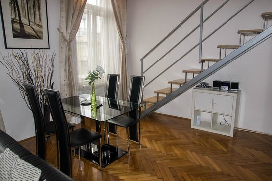 Welcome Budapest Apartments:                   Tisch