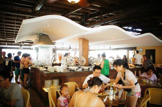 Henann Regency Resort & Spa:                                     SeaBreeze Buffett