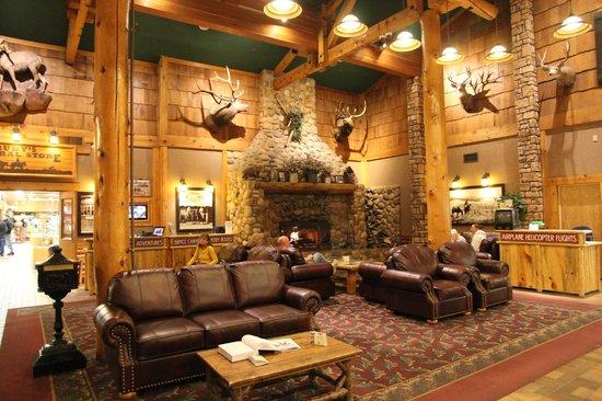 Best Western Plus Ruby's Inn:                   холл гостиницы