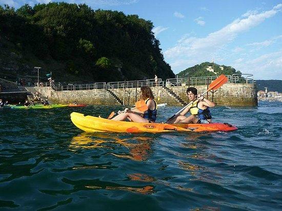 Ondarreta Beach:                   Kayak in la Concha, Donostia