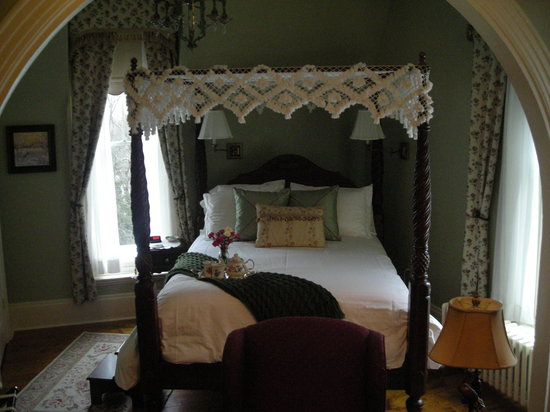 Northview Inn Bed and Breakfast: Eastview Room