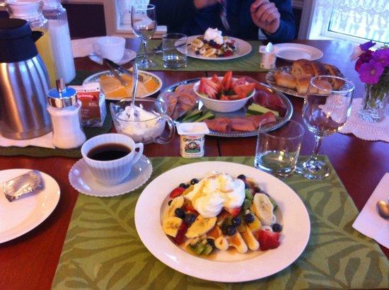 Bluejay Suites Bed & Breakfast:                   guests breakfast