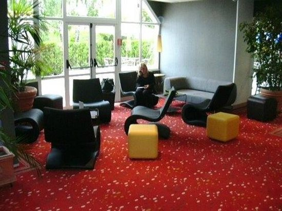 Hotel balladins Bobigny: Salon