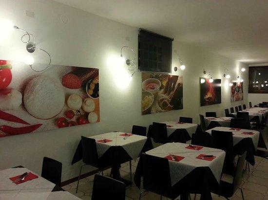 Pavone Canavese, Italia:                                     La sala