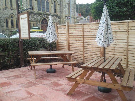Morwenna Holiday Apartments : Front Patio Area