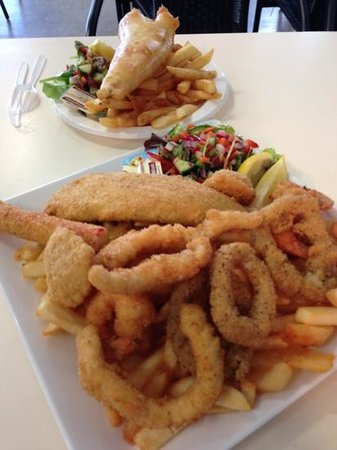 Kangaroo Island Fresh Seafoods:                                     an array of fresh seafood - hot and delicious!