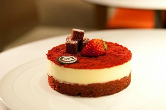 Deli By Sheraton Seoul D Cube City Hotel Red Velvet Cake