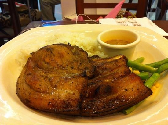 Bigby's Cafe:                                     porkchopp!