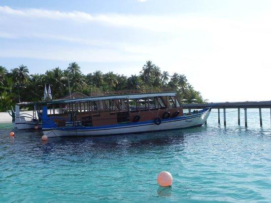 Vakarufalhi Island Resort:                   dal pontile