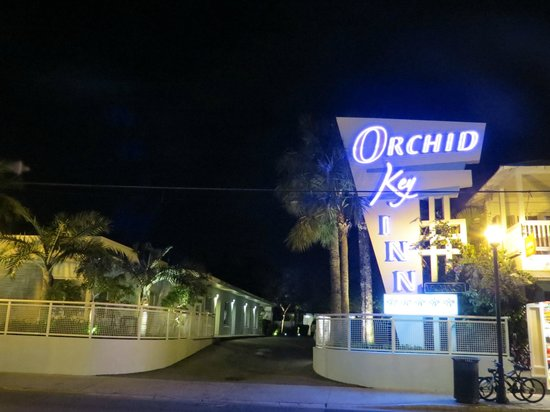 Orchid Key Inn:                   hotel by night