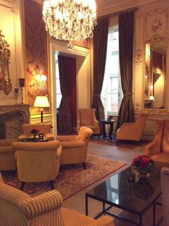 Grand Hotel Casselbergh Bruges:                                     cosy seating next to the bar