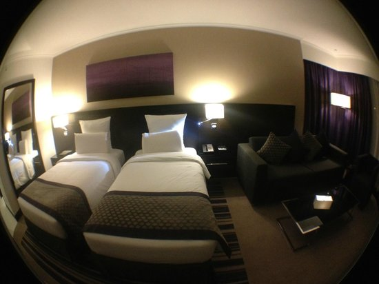 Pullman Dubai Creek City Centre:                   Twin Room