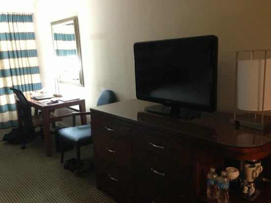 Hilton Miami Downtown:                   Decent sized TV and work space