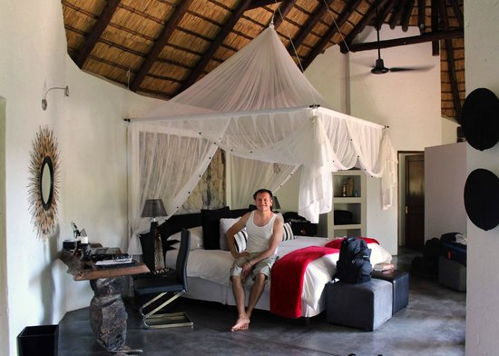 Pondoro Game Lodge:                   We loved our Water Suite
