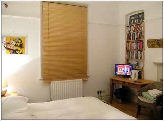 At Home London B&B:                   Hotel room