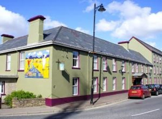 Photo of Highlands Hotel Glenties