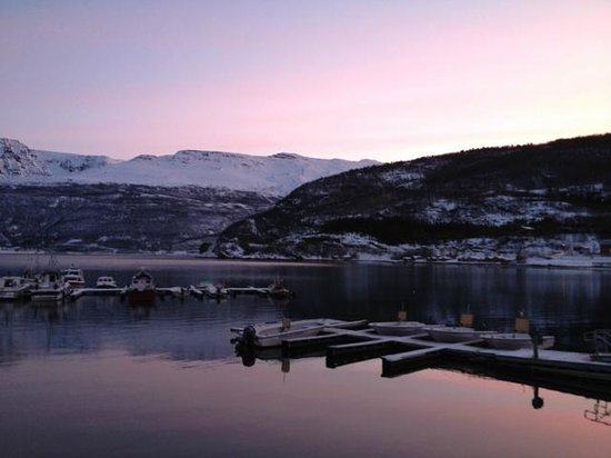 Manndalen Sjoebuer:                   Wiew from the cabin in the morning