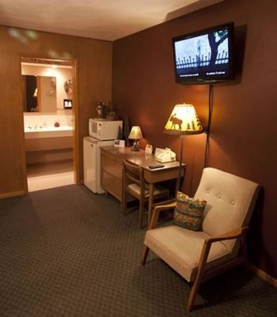 Fountain City Motel: Northwoods Suite