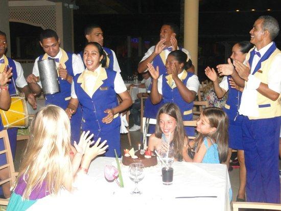 Iberostar Punta Cana:                   FESTEJANDO CUMPLEAÑOS