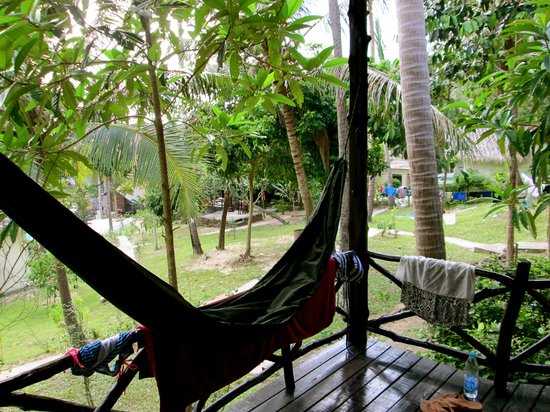Shiralea Backpackers Resort:                   Bungalows