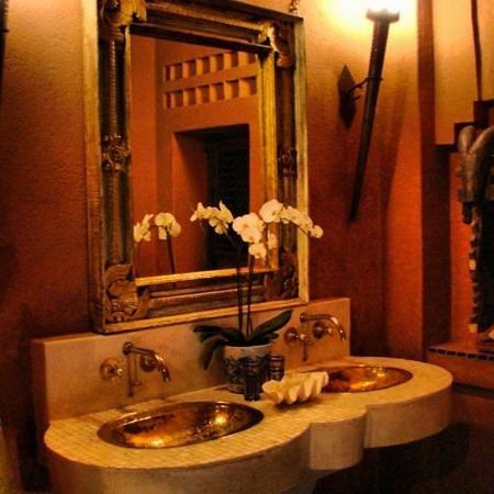 Timamoon:                   bathroom