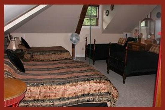 Henry Whipple House: Carriage House Suite 2