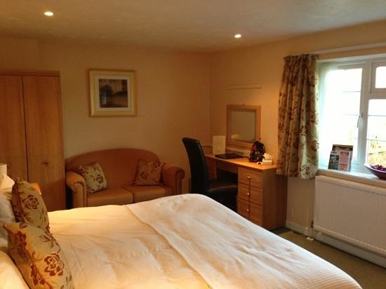 Best Western Mayfield House Hotel:                   superior bedroom