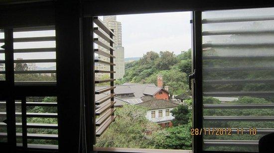 Golden Hot Spring Hotel:                   窗外景觀