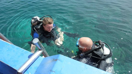 Raja Laut Dive Resort:                   Roberto and student during open water diver course
