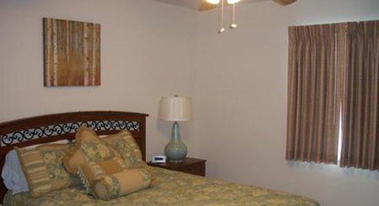 Daleville Inn & Apartments: Large Suite