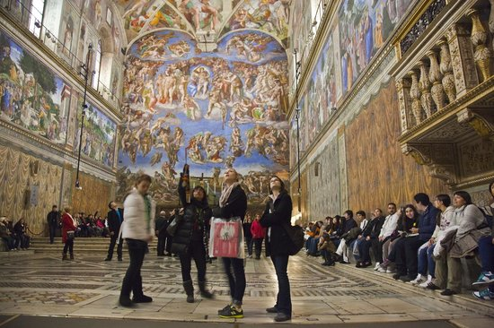 City Wonders : Visiting the Sistine Chapel on our Vatican Group Tour