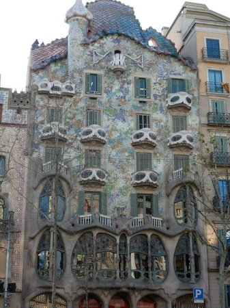 Hotel Indigo Barcelona - Plaza Catalunya:                   Casa Batilo Gaudi 5 minute walk from hotel