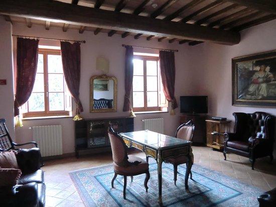 Borgo di Celle:                   sala lettura                 