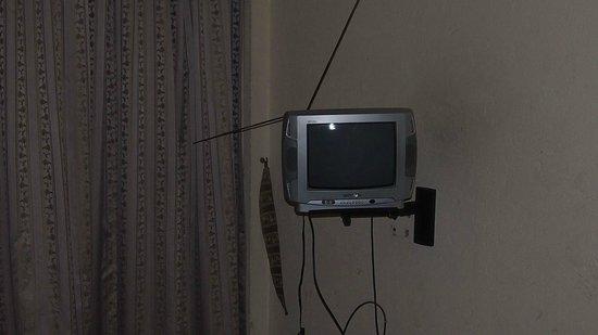 Aponye Hotel:                   Fernseher