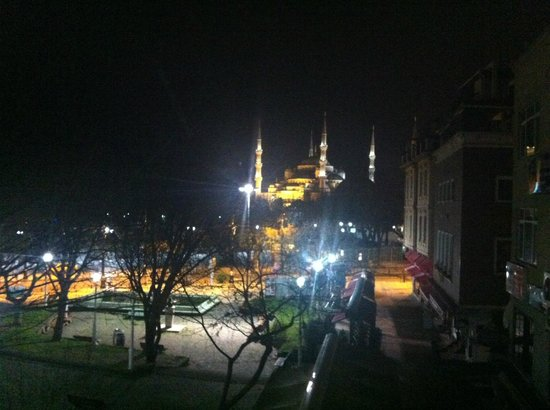 Kervan Hotel:                   Blue Mosque