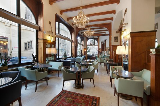 Day Time Picture Of Cafe De Paris Hotel Paris Prague