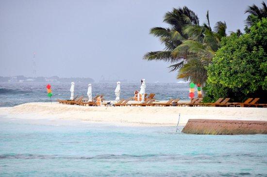 Adaaran Prestige Vadoo:                   Beach