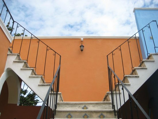 Merida Santiago Hotel Boutique:                                                                         Stairs