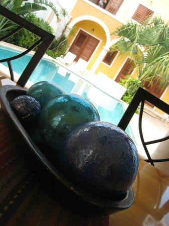 هوتل ميريدا سانتياجو:                                                                         The pool               