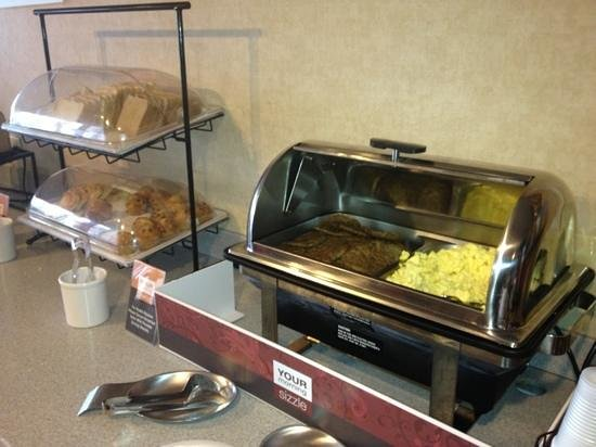 Quality Inn & Suites in Gettysburg:                   breakfast...