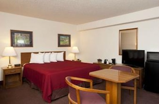 Super 8 Brattleboro: Suite
