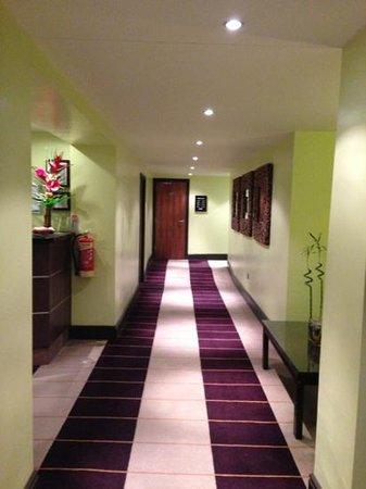 Hallmark Hotel Manchester:                   Reception