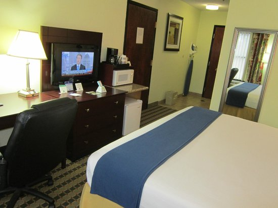 BEST WESTERN Butner Creedmoor Inn: King Suite