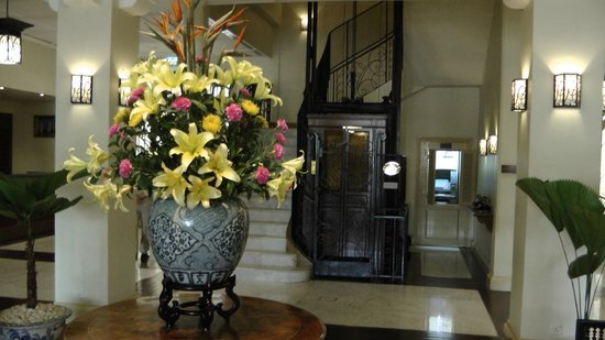 Raffles Grand Hotel d'Angkor:                                     the lobby area