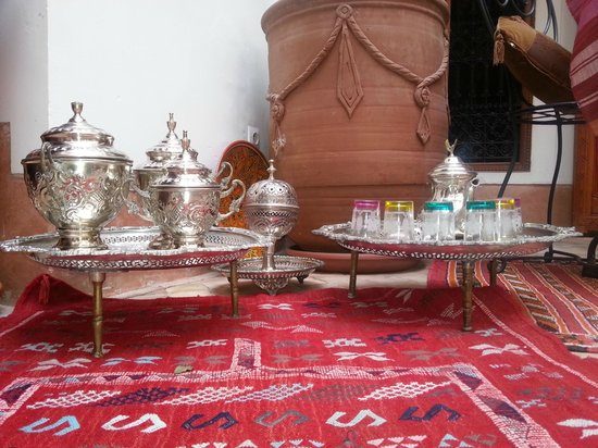 Riad Slawi:                   moroccan tea ceremony