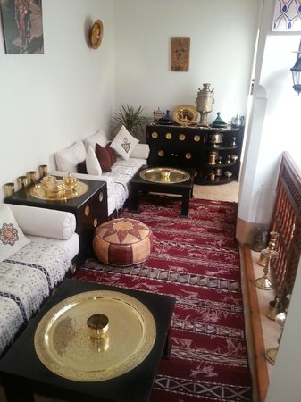 Riad Slawi:                   relaxing area on the first flor next to our room