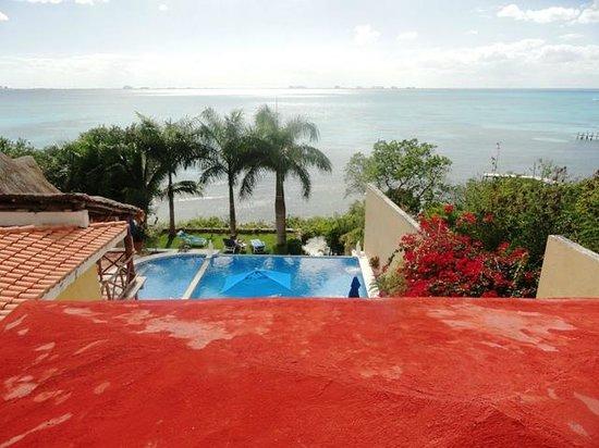 هوتل لا جويا:                   Pool                 